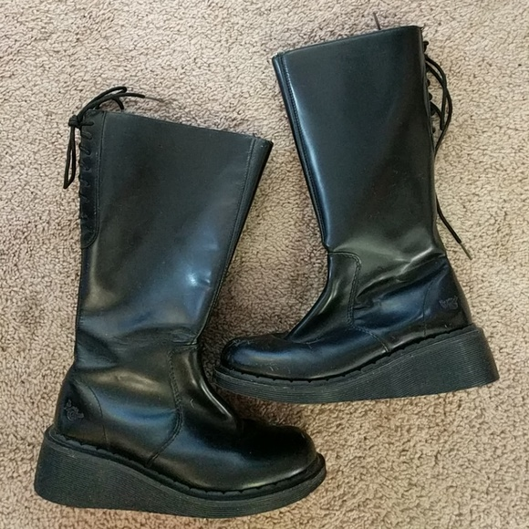 300ae3cafd52 Dr. Martens Shoes - Dr. Marten s Womens size5 leather boots 3A34 RARE
